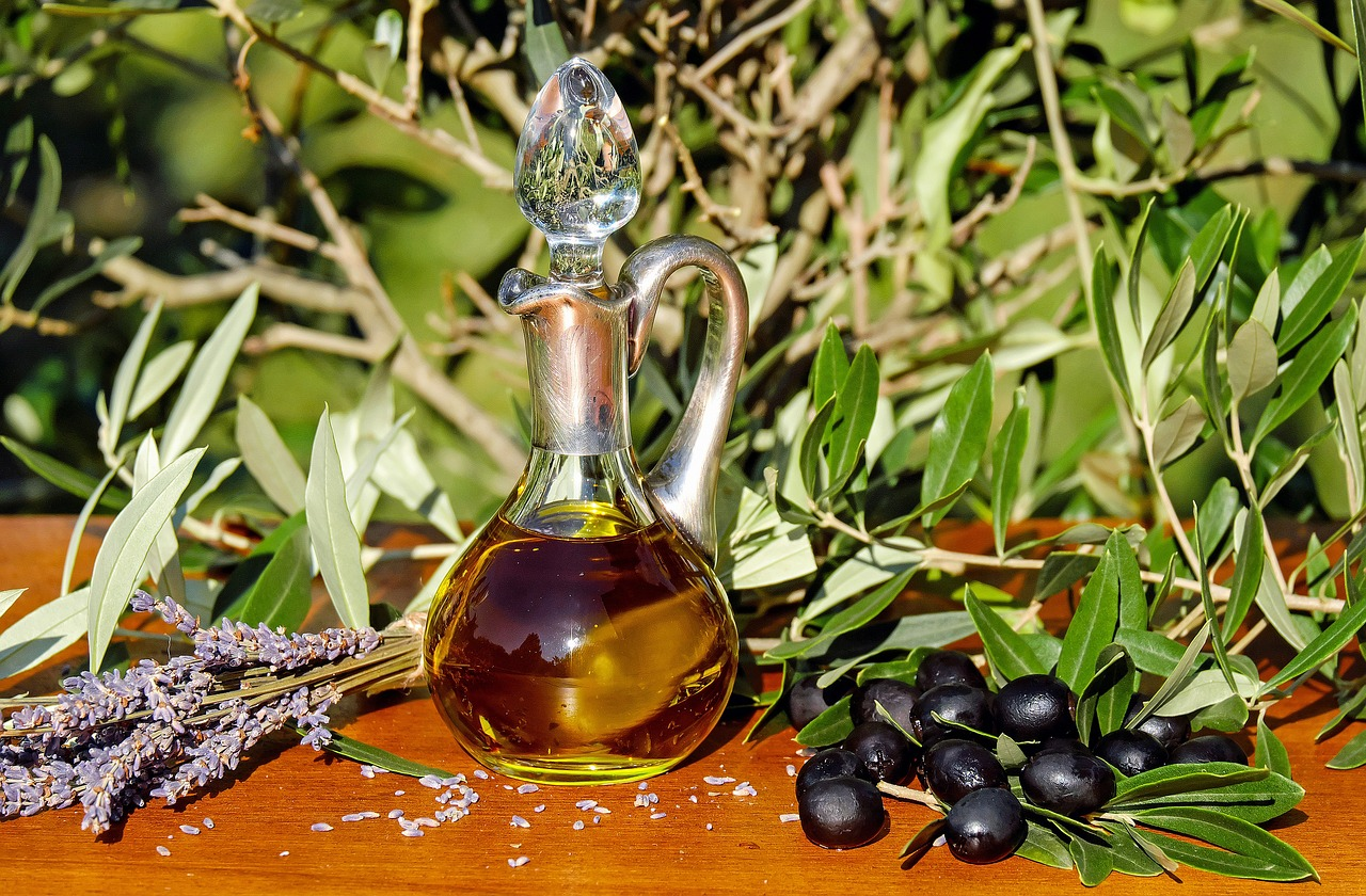 Here_s-How-To-Make-Cannabis-Cooking-Oil-At-Home-olive-oil