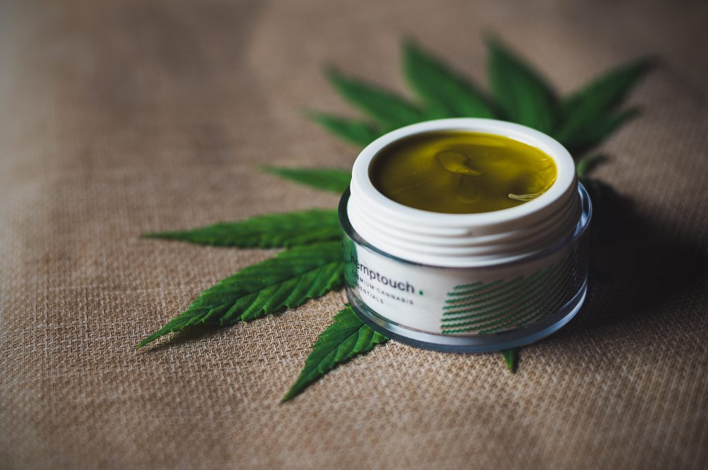 These Are The Best Drinks To Combine With Cannabis Tinctures (4)
